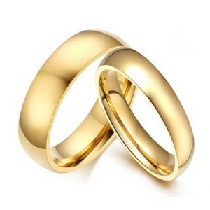 couples-gold-polished-4-and-6mm-wedding-tungsten-rings